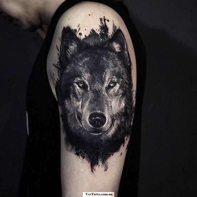 Тату головы волка на плече для мужчин