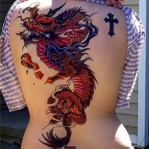 Женское тату дракона на спине