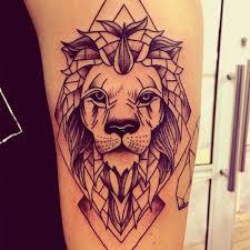 Эскиз льва для тату в геометрии