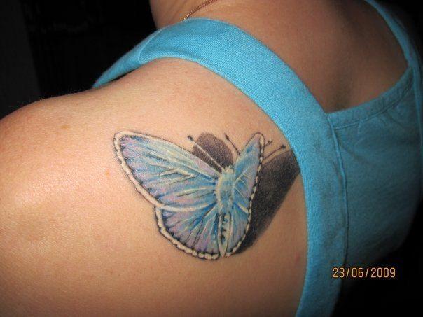 3д Тату бабочки на лопатке для девушек
