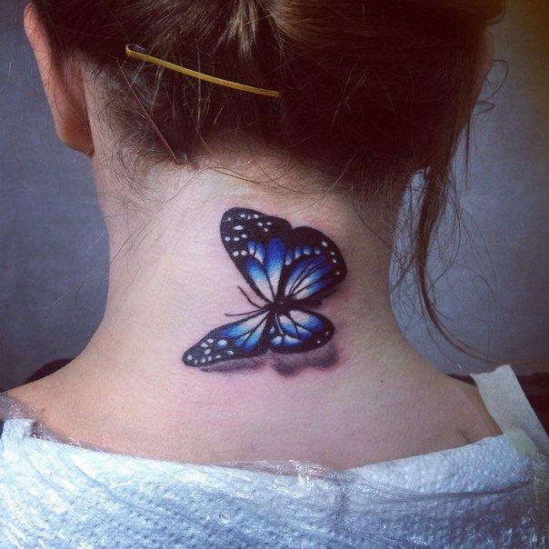 Фото тату бабочки на шее