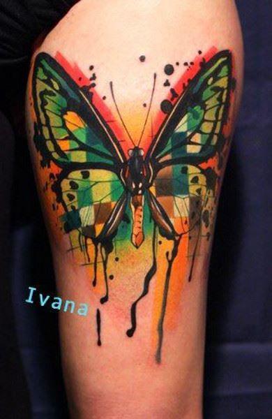 Цветная тату бабочки на ноге (бедре) для девушки