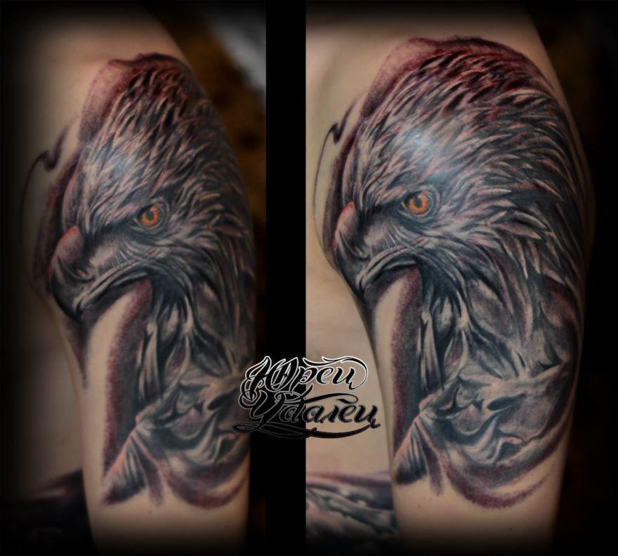 Тату орла на плече для мужчин