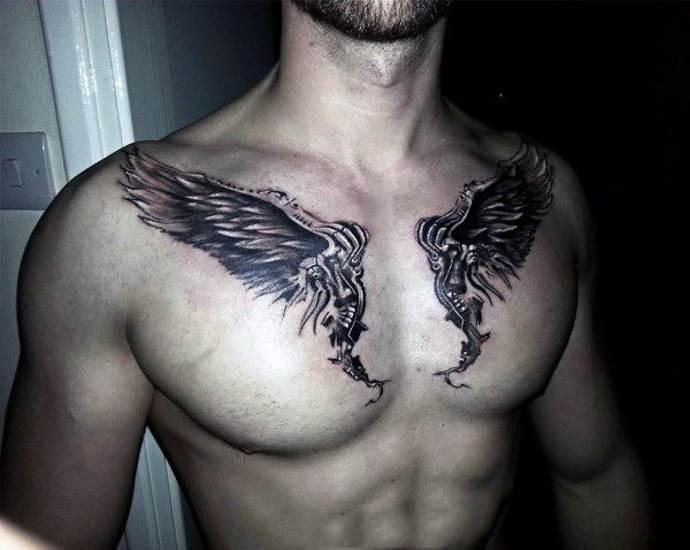 Тату крылья под ключицами