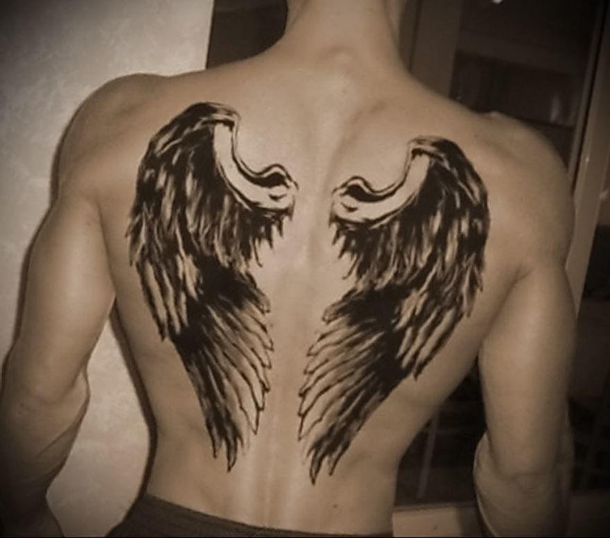 Тату крыльев ангела на лопатке для мужчины