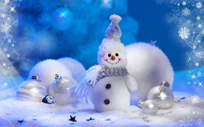 Снеговики с елочными игрушками, новогодними шарами