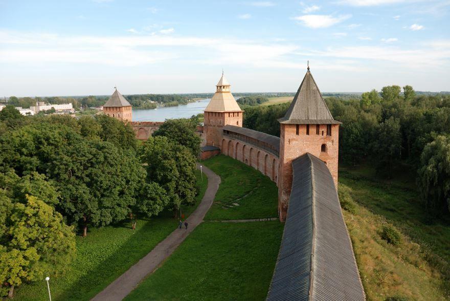 Скачать бесплатно красивое фото кремля города Великий Новгород