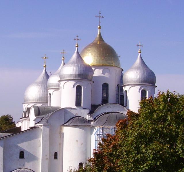 Смотреть лучшее фото старинного города Великий Новгород с молодой душой