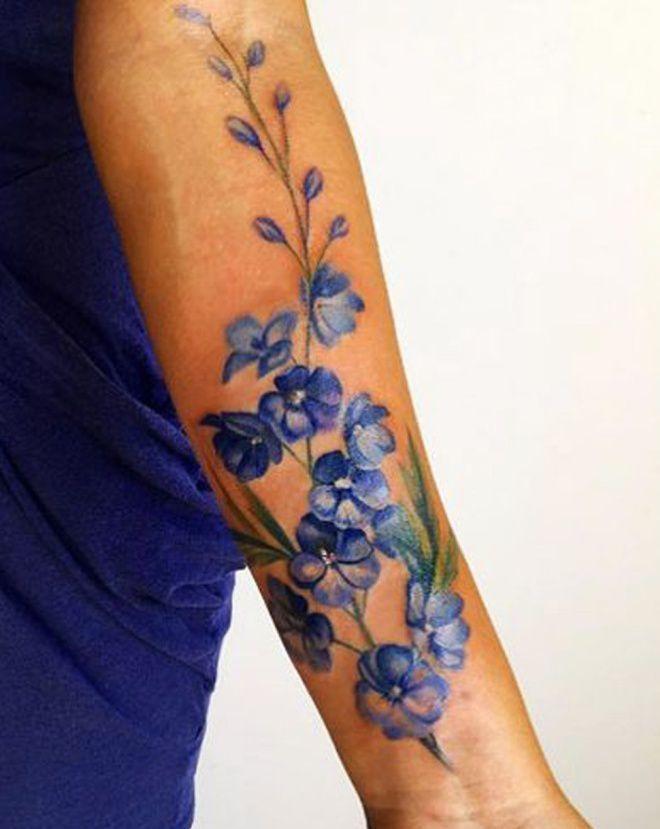Тату цветов на руке для девушки