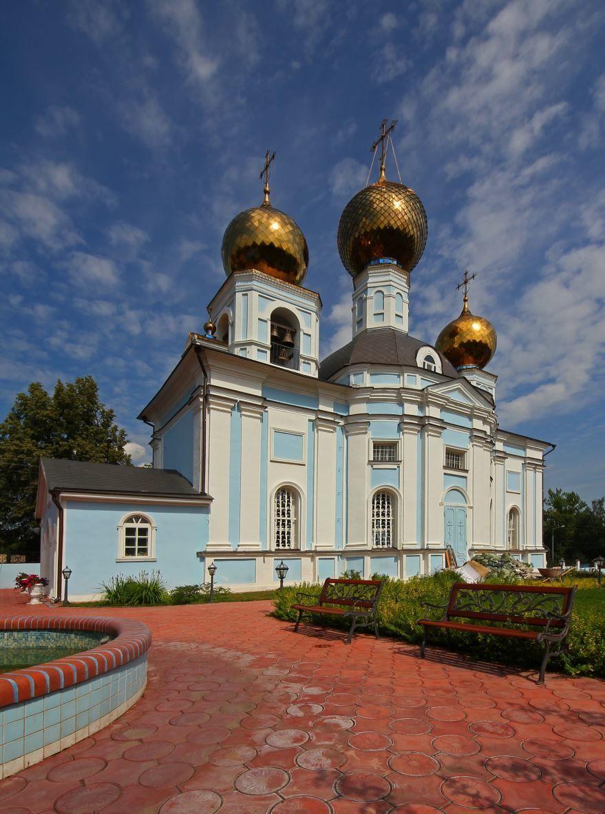Смотреть красивое фото церкви города Видный