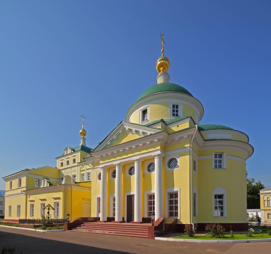 Скачать бесплатно лучшее фото монастыря в городе Видный