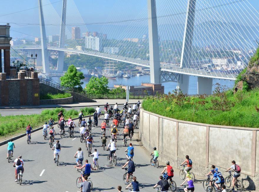 Смотреть лучшее фото спортсменов на велосипедах город Владивосток