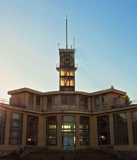Скачать онлайн бесплатно красивое фото речного вокзала в городе Волжске