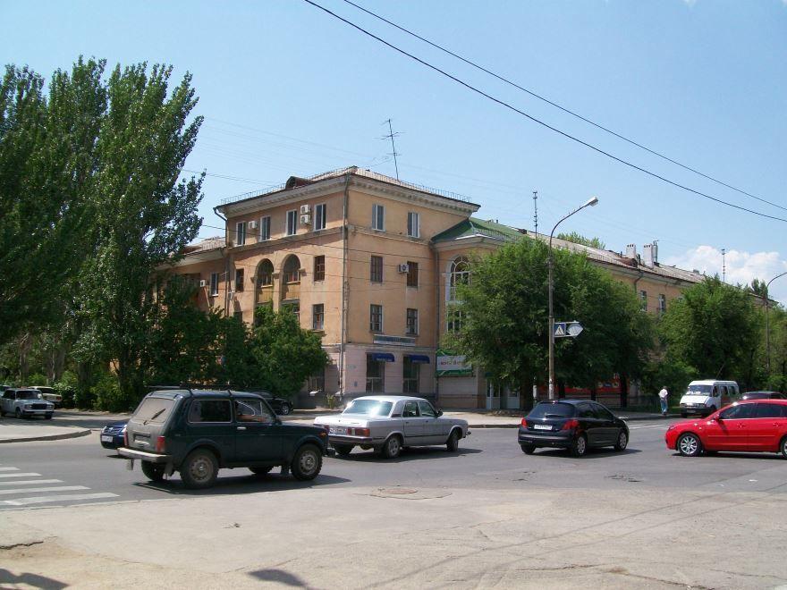 Смотреть красивую улицу города Волжский онлайн бесплатно в хорошем качестве