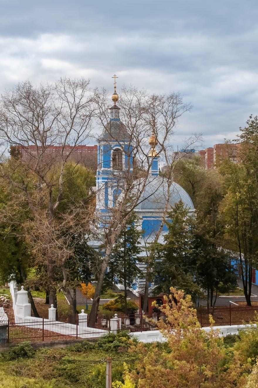 Смотреть красивую церковь Иоанна Златоуста в городе Воскресенске