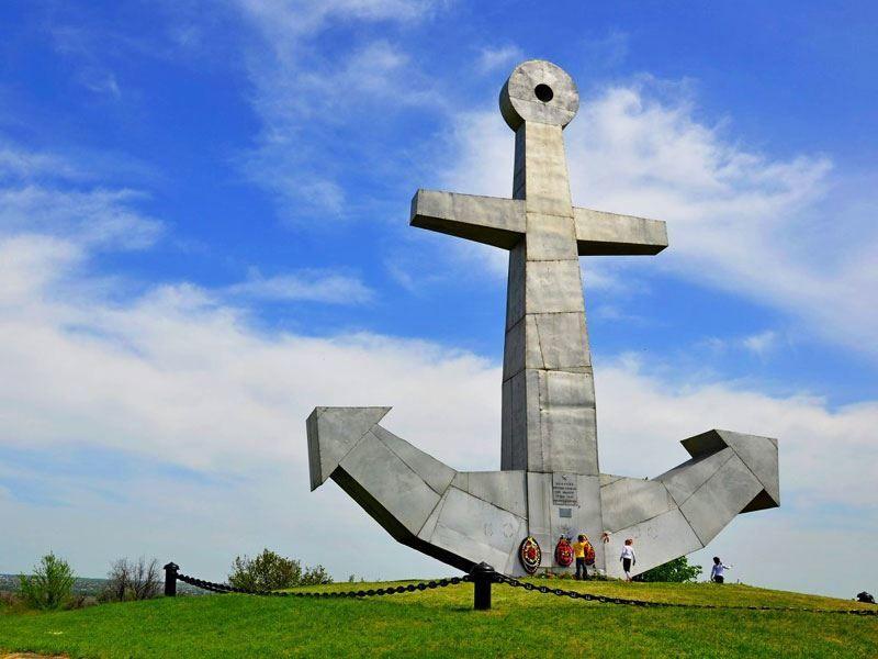 Смотреть якорь крупным планом в городе Воткинске