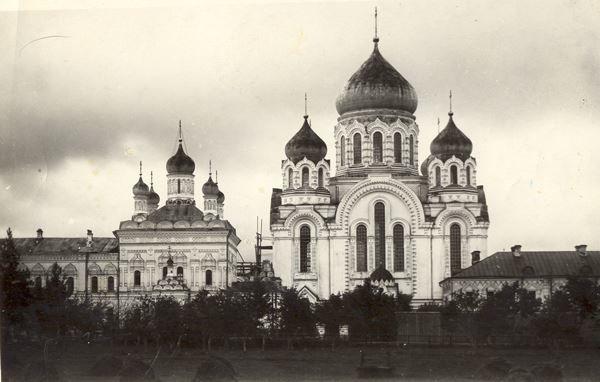 Скачать онлайн бесплатно старинное фото монастыря в городе Выкса