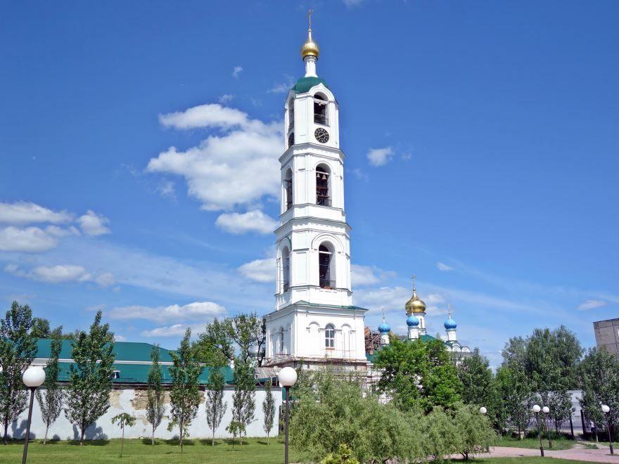 Колокольня Иверского монастыря в городе Выкса