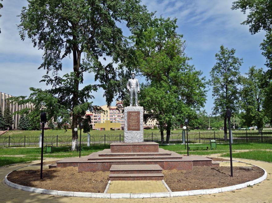 Город Выкса памятник В. И. Ленину