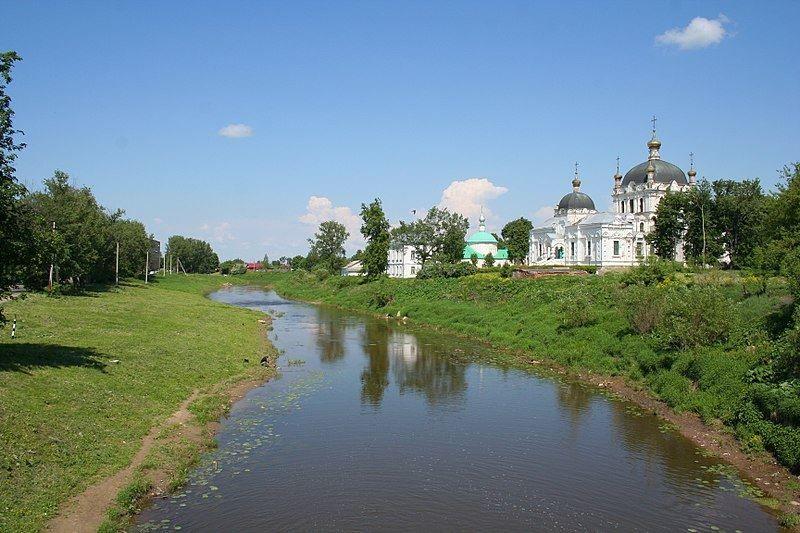 Скачать онлайн бесплатно красивое фото реки Гжать в городе Гагарин