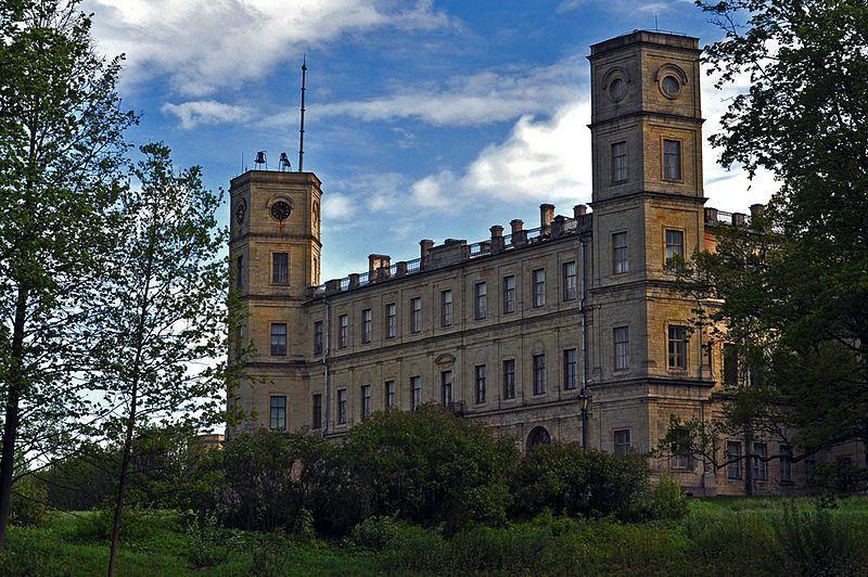 Смотреть большой, красивый Гатчинский дворец бесплатно