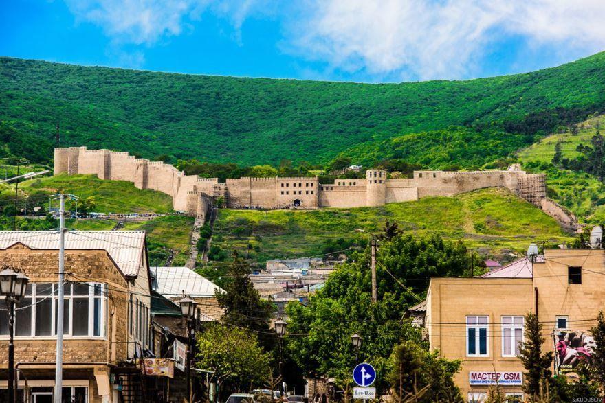 Смотреть лучшее фото города Дербент Крепость Нарын-Кала