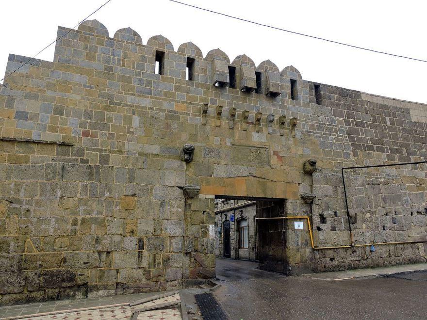 Ворота Кырхляр-Капы город Дербент