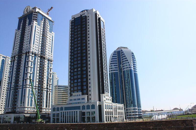 Скачать онлайн бесплатно красивый вид города Грозный-сити в Чечне в хорошем качестве