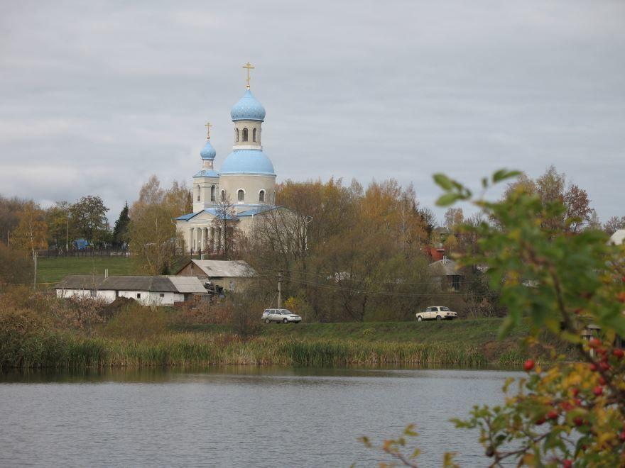 Смотреть красивое фото Архангельская церковь в городе Губкинский