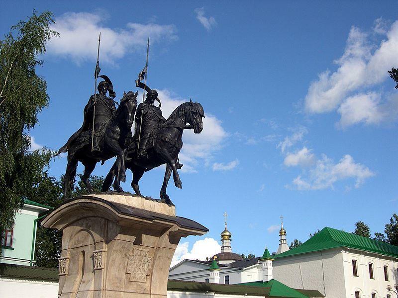 Памятник Бориса и Глеба работы Рукавишникова город Дмитров