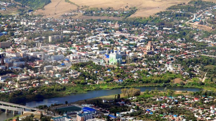 Скачать бесплатно красивый вид сверху города Елец