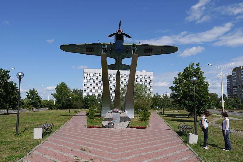 Смотреть красивый мемориал в городе Дубна бесплатно