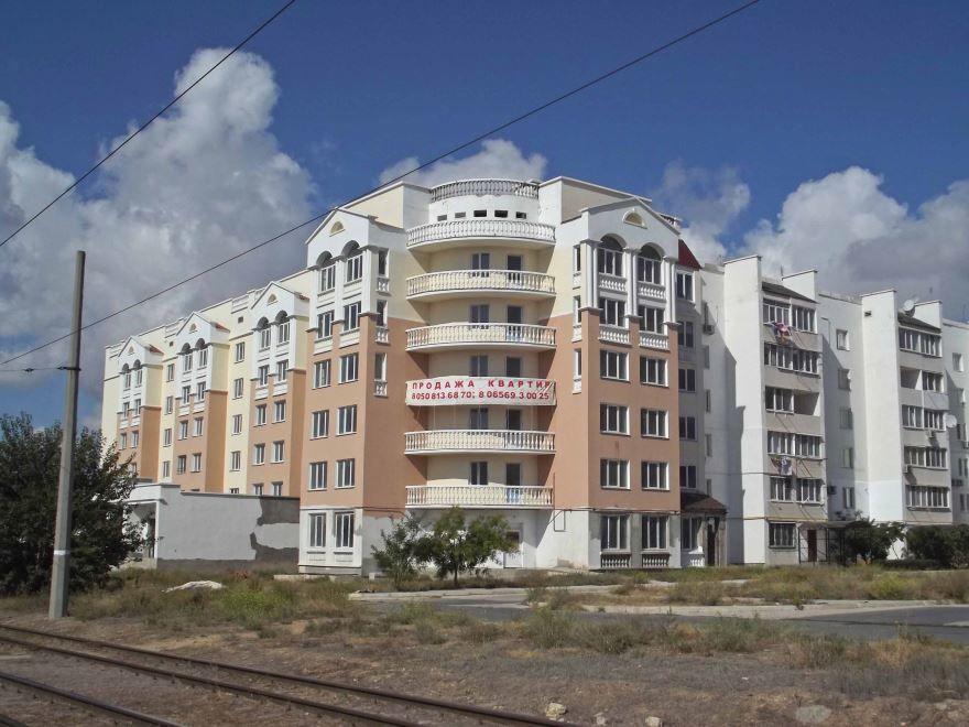 Смотреть красивое фото жилого дома в городе Евпатория
