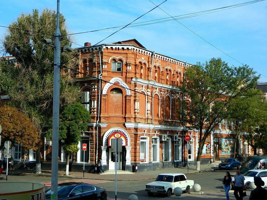 Скачать онлайн бесплатно красивое здание Дом офицеров в городе Ейск