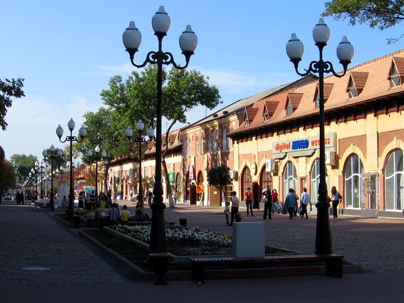 Смотреть красивое фото Гостиный двор в городе Ейск