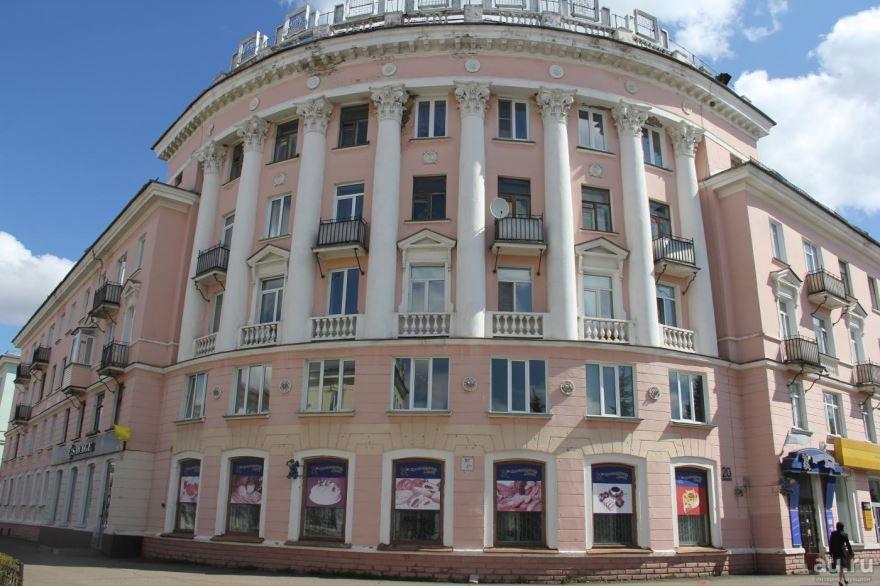 Скачать онлайн бесплатно красивое здание города Железногорск Красноярского края в хорошем качестве