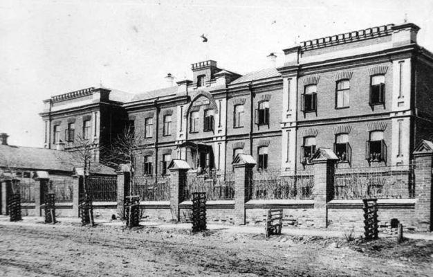 Старинное фото здания Ефремовского духовного училища 1900 год