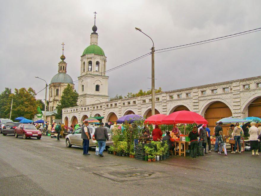 Скачать онлайн бесплатно красивый, гостиный двор в городе Зарайск