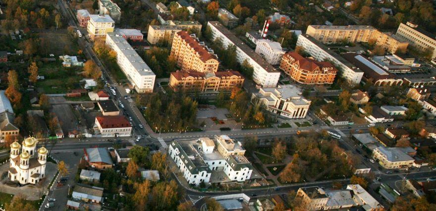 Смотреть онлайн бесплатно вид сверху город Звенигород Московская область