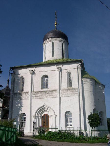 Смотреть красивое фото Успенский собор в городе Звенигород