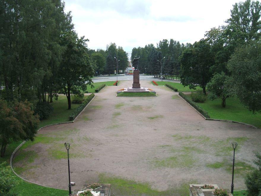 Скачать онлайн бесплатно красивое фото сквер в городе Зеленогорск