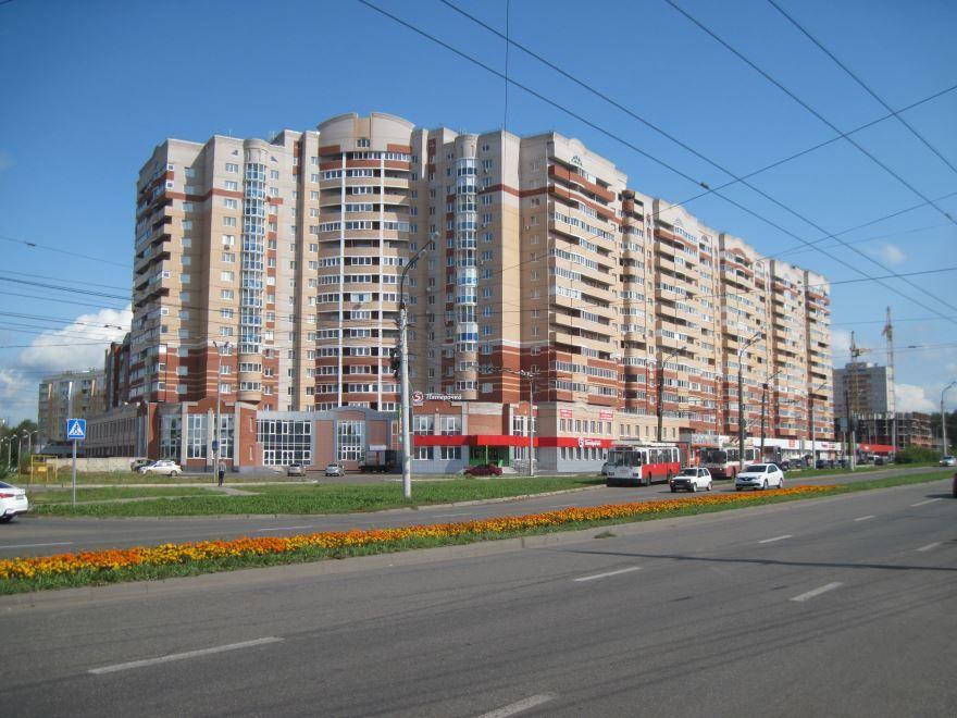 Скачать онлайн бесплатно лучшее фото улиц города Ижевска в хорошем качестве