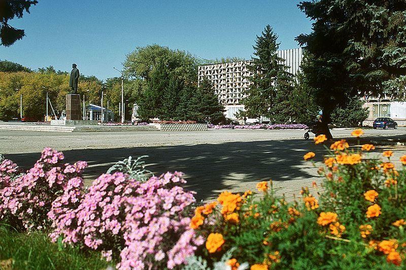 Центральная площадь города Зерноград Ростовская область