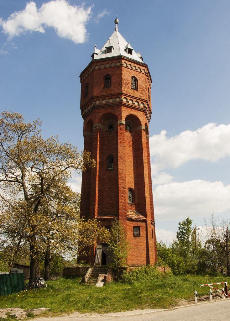 Скачать онлайн бесплатно фото водонапорной башни город Знаменск