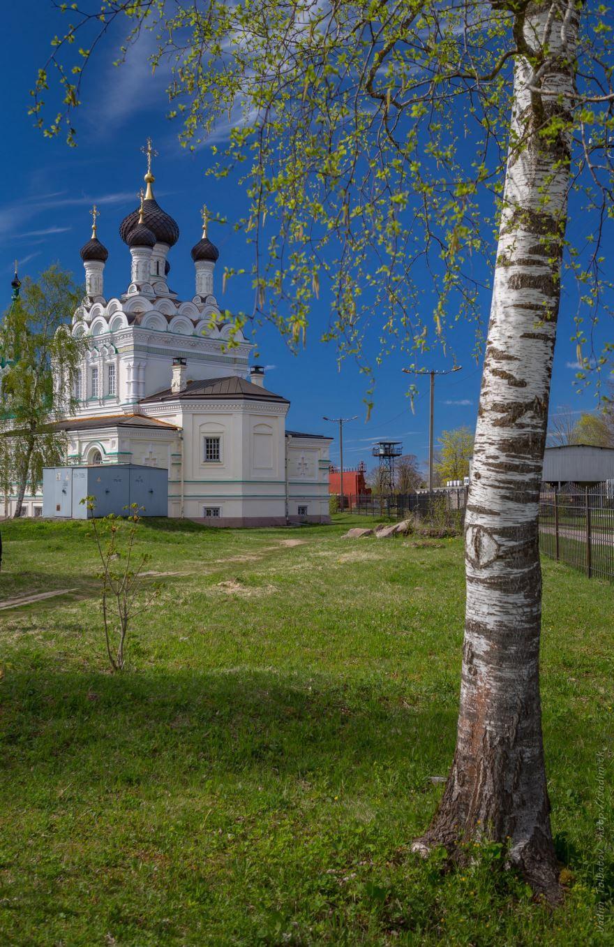 Церковь Троицы Живоначальной на Парусинке город Ивангород