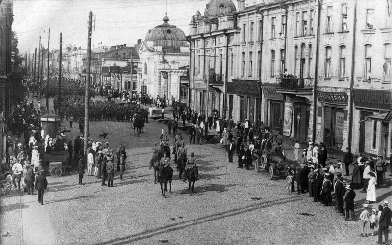 Смотреть лучшее старинное фото Чешско-словацкиевойска в городе Иркутск 1918 год