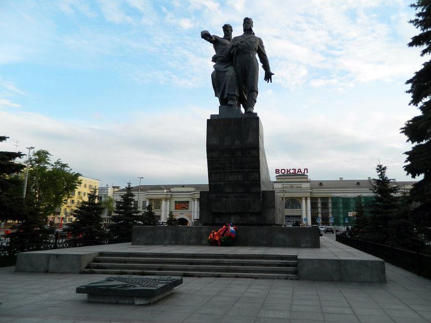 Памятник воинам уральского добровольческого танкового корпуса город Екатеринбург