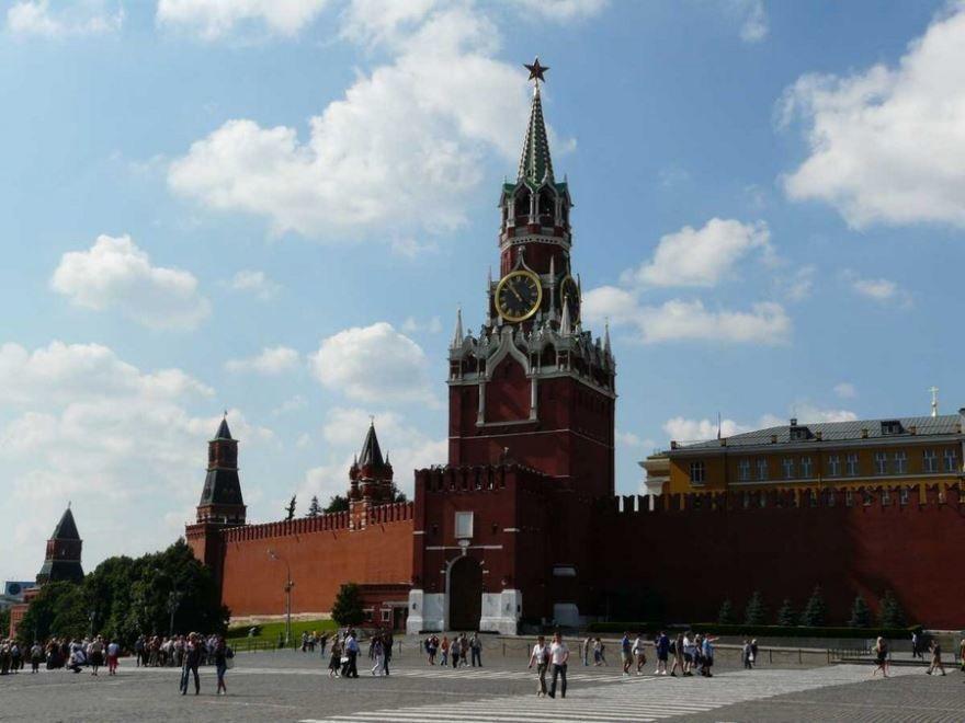 Смотреть красивое фото Кремль на Красной площади город Москва