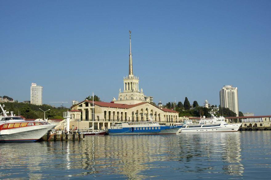 Морской порт города Сочи 2018