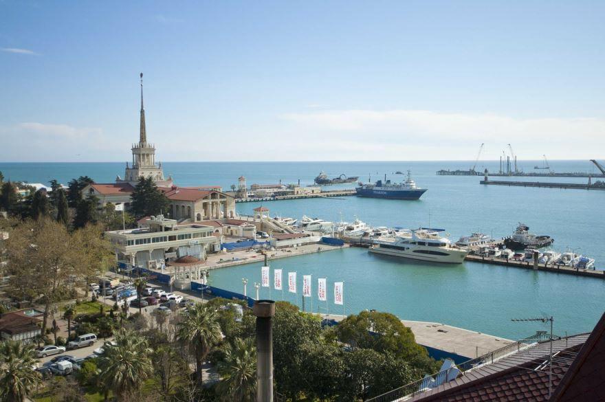 Морской порт и прилегающая территория город Сочи